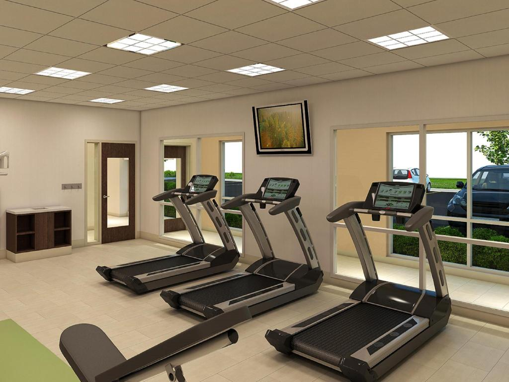 gimnasio Holiday Inn Express & Suite Kingdom City