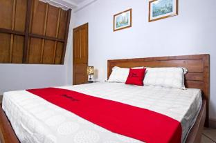 RedDoorz Plus near Parahyangan University