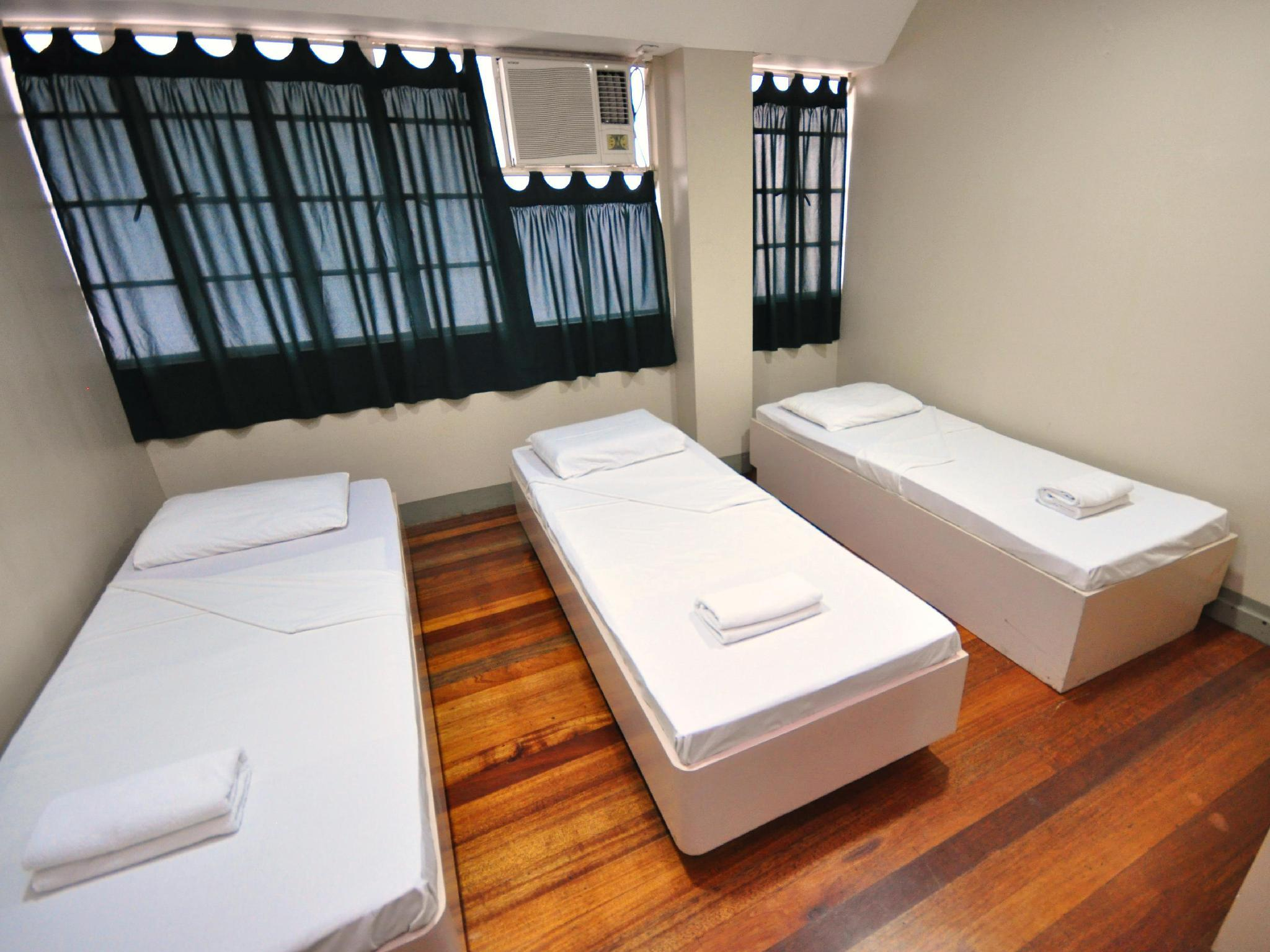 Dormitory For 3 Persons 1 Room