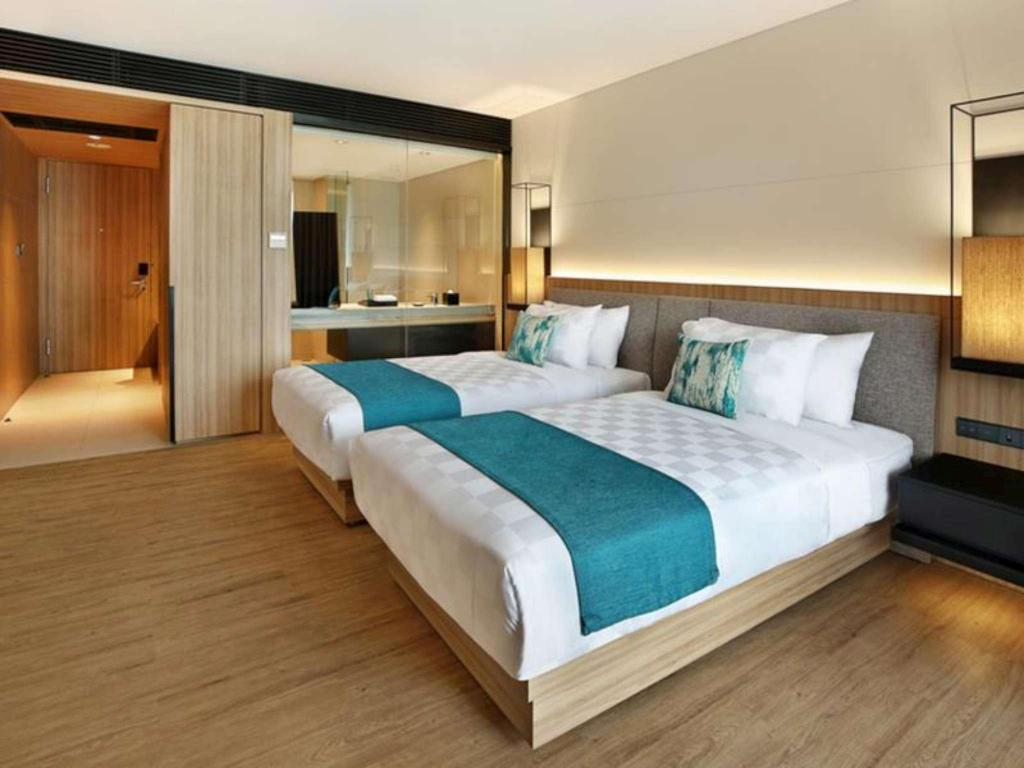 Deluxe Twin - Bed Royal Tulip Gunung Geulis Resort and Golf
