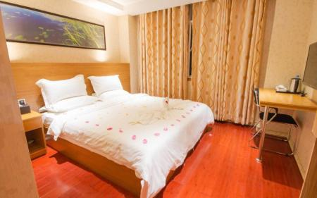 Deluxe Double Room With Window - Bed Sky Hotel Chinatown