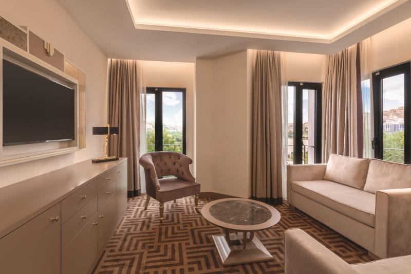 Corner Suite with Sea View