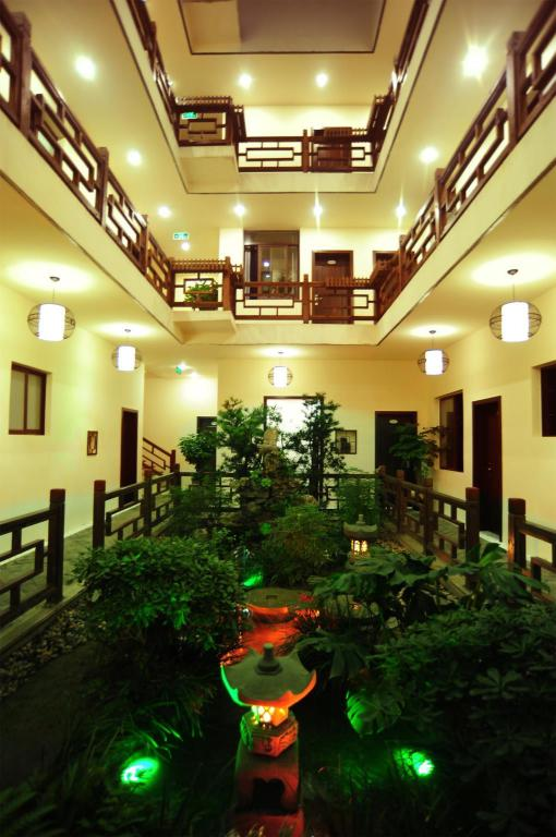 Lobby Mount Emei Quiet Boutique Hotel