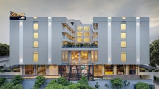 Hotel Zone By The Park Raipur