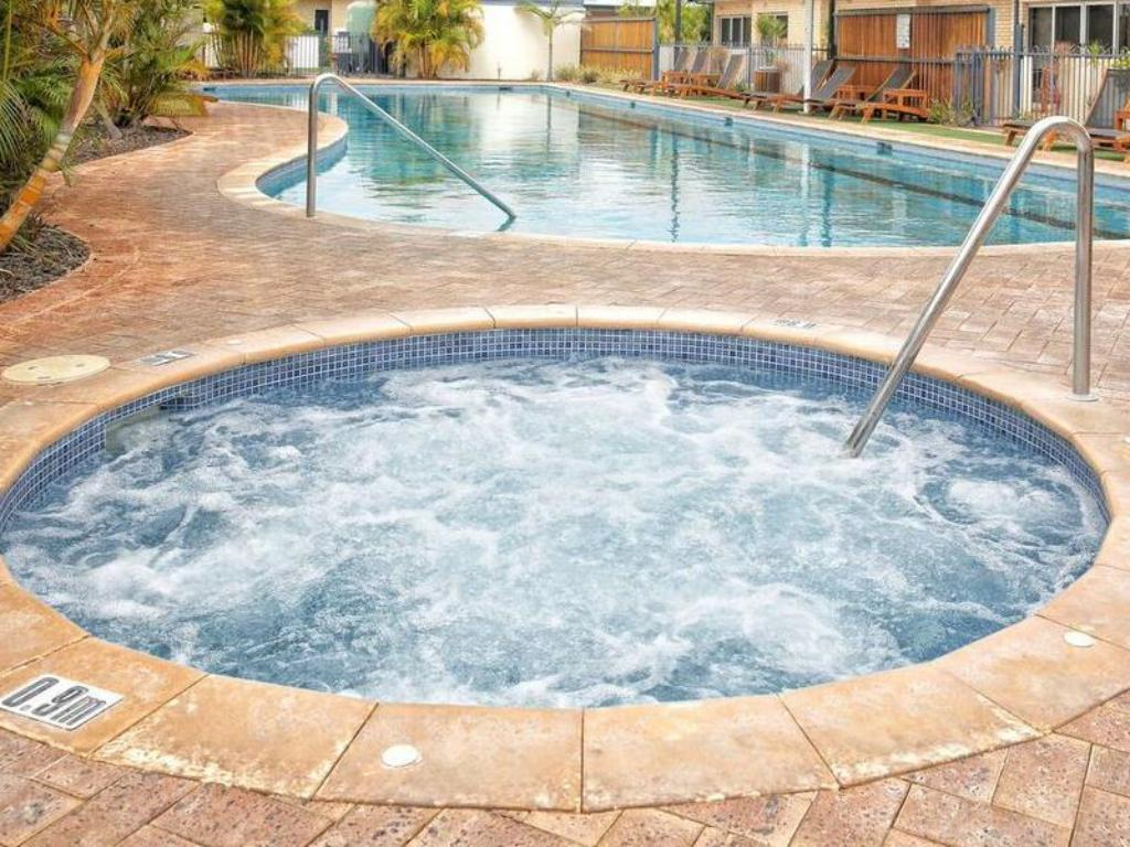 Swimming pool Waldorf Geraldton Serviced Apartments
