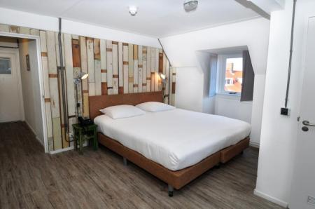 Double Room Amsterdam Beach Hotel