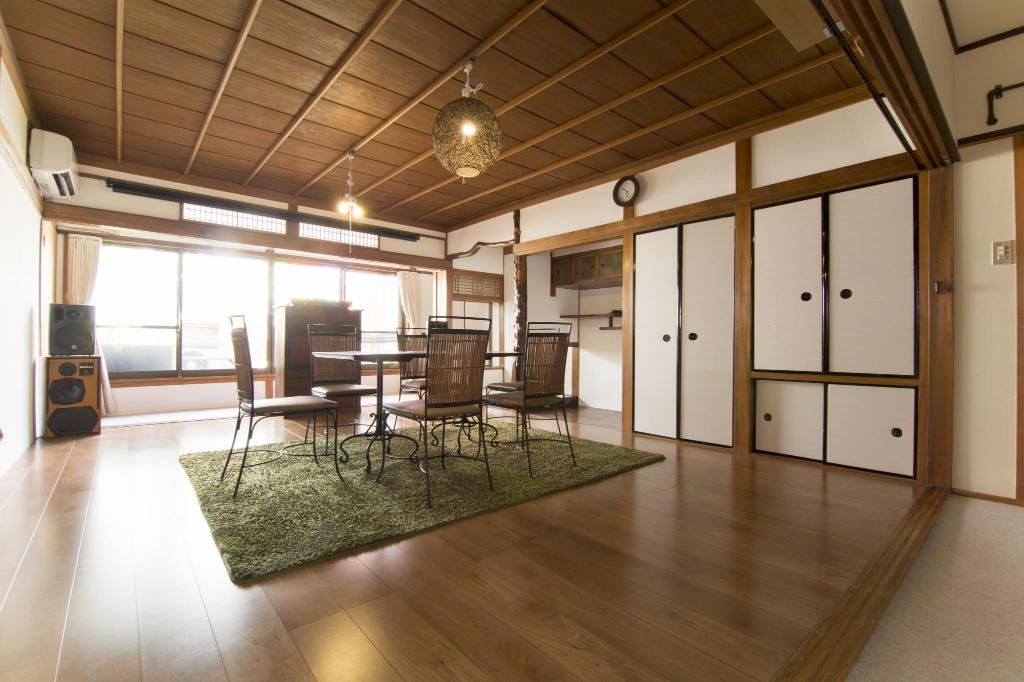 Private house with kitchen near Tennoji