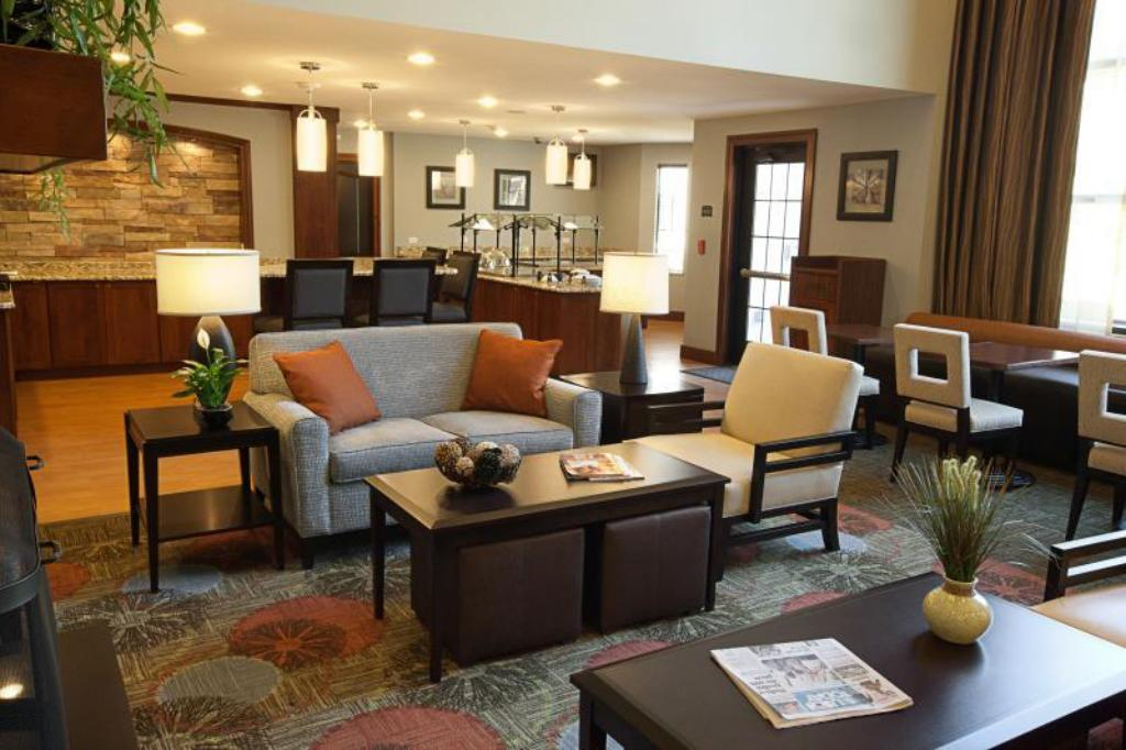 Vestíbulo Staybridge Suites Tomball