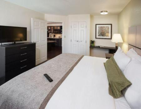 1 Bedroom 2 Bath Suite Non-Smoking Candlewood Suites Anaheim - Resort Area