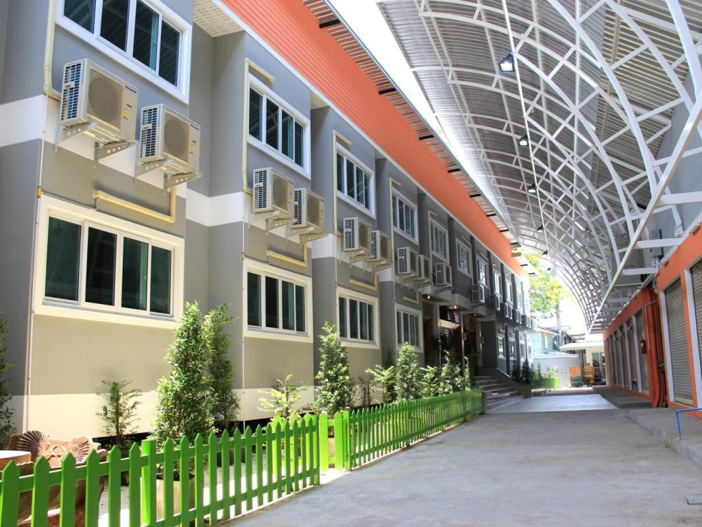More about Panmanee Hotel