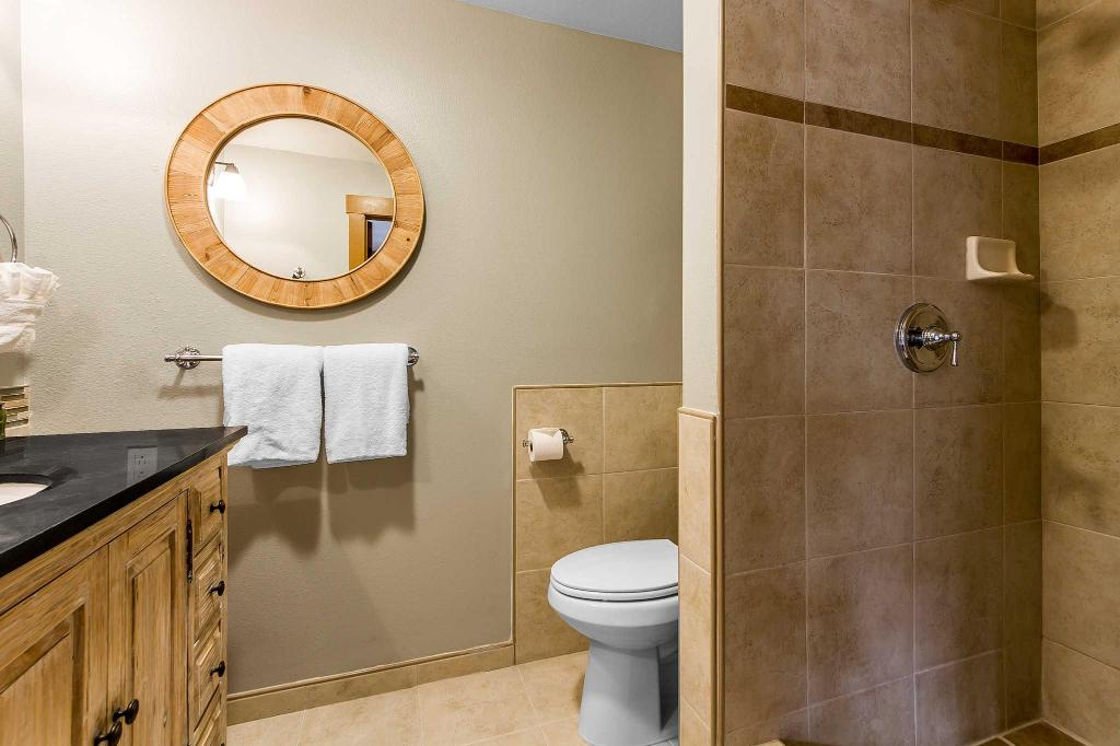 Bathroom Sierra Sky Ranch, an Ascend Hotel Collection Member