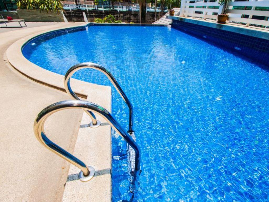 Swimmingpool The Loft Pratumnak By Pattaya Sunny Rentals