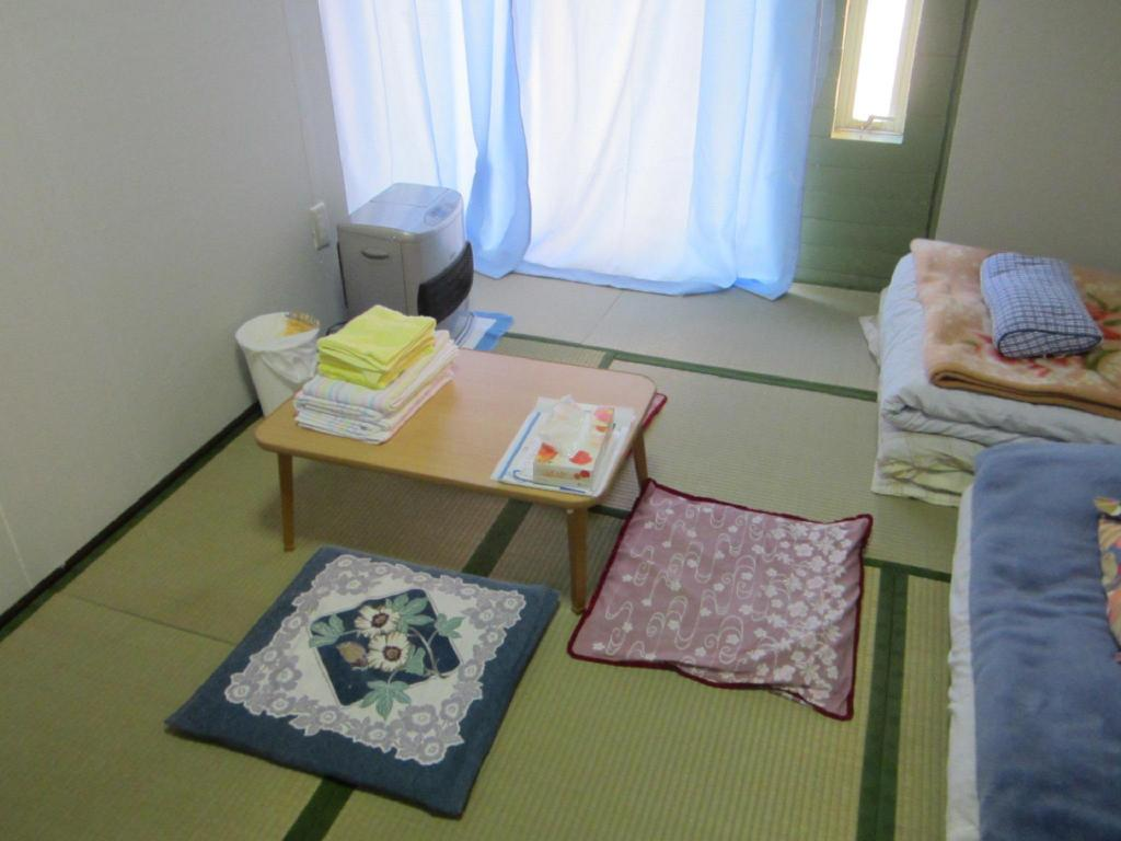 Japanese Style Triple Room with Shared Bathroom Hakodate Guesthouse