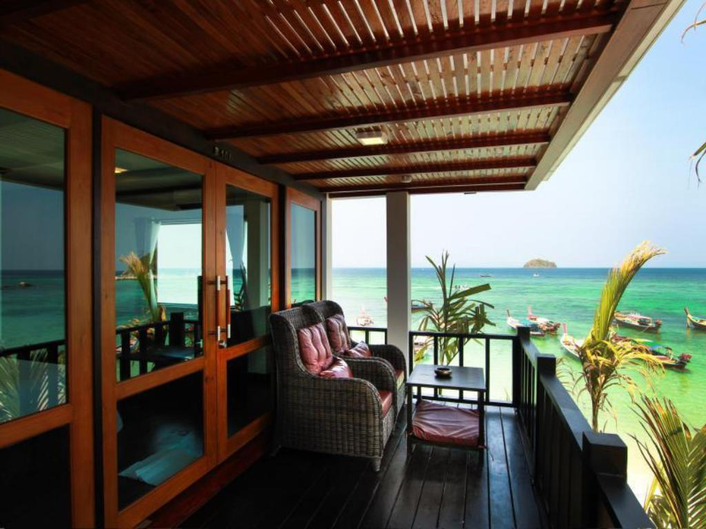 Deluxe Partial Sea View Room with Balcony - Balcony/terrace Cabana Lipe Beach Resort