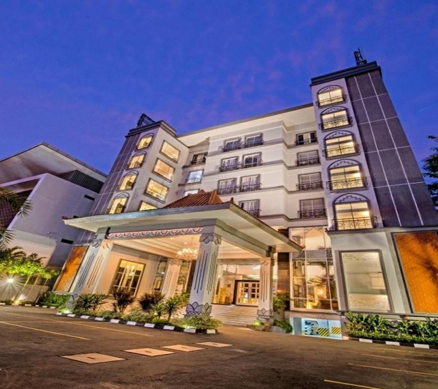 Hotel Tentrem Yogyakarta Closed: Grand Serela Hotel Yogyakarta In Indonesia