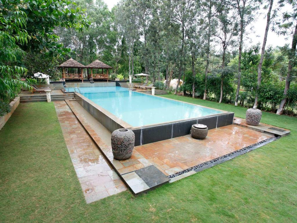 Swimming pool Discovery Village kanakpura