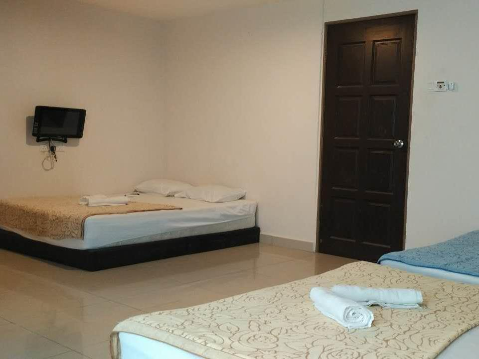 3 غرف مزدوجة (3 Double Bed Room)
