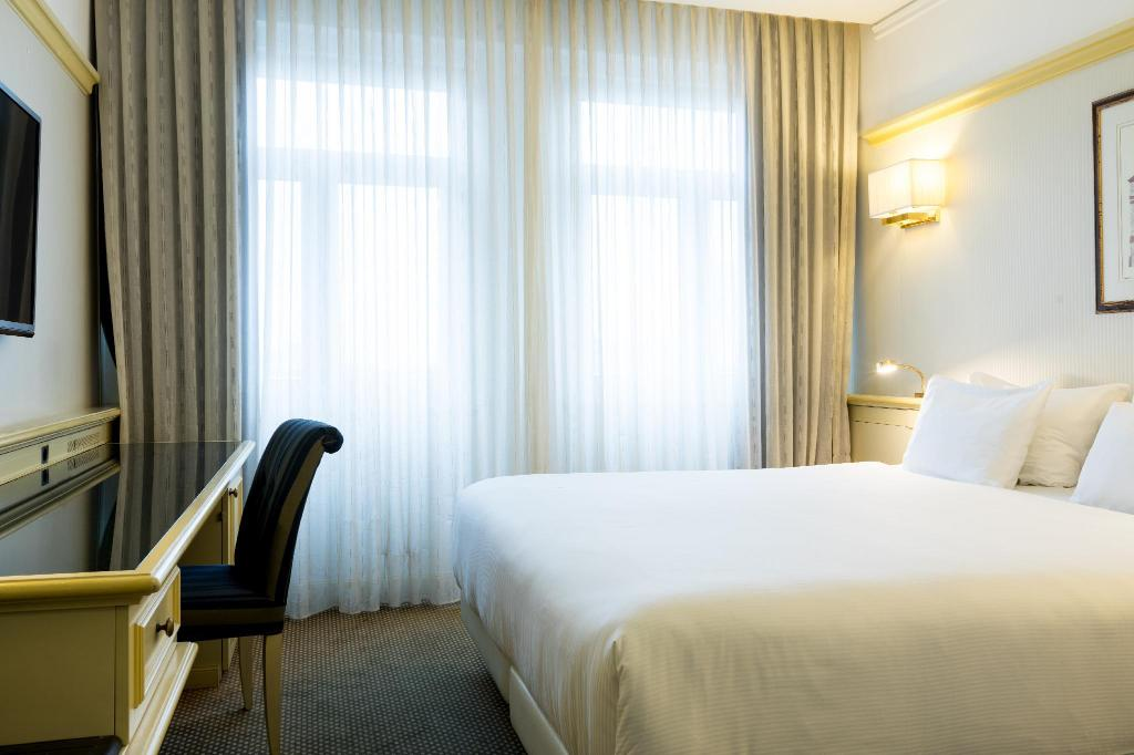 Standard Room - Bed NH Carlton Amsterdam