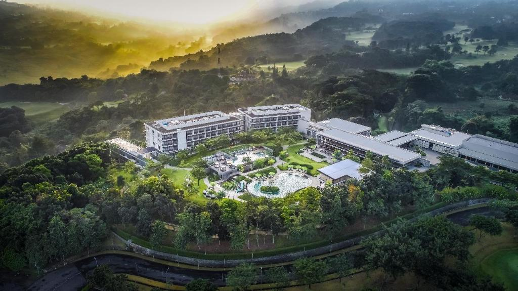 More about Royal Tulip Gunung Geulis Resort and Golf