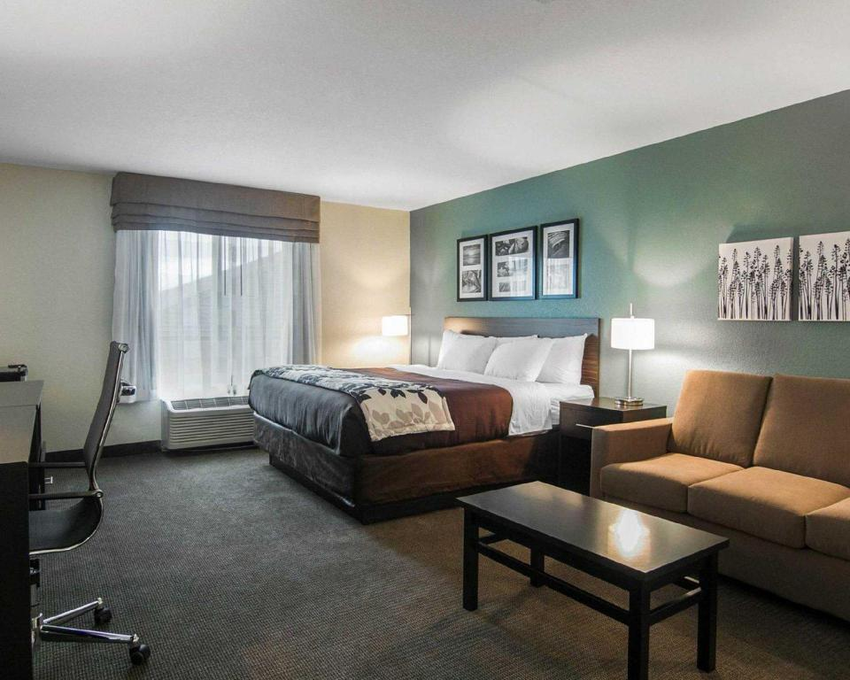 1 King Bed Suite, Non-Smoking - Istaba viesiem Sleep Inn And Suites Fort Dodge