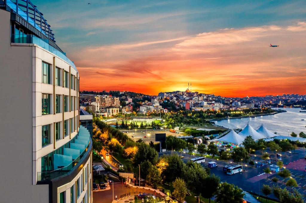 Clarion Hotel Golden Horn in Istanbul - Room Deals, Photos & Reviews