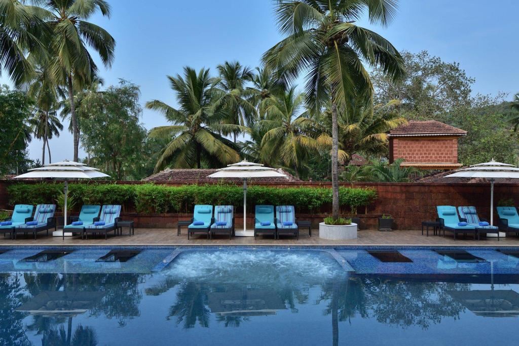 Piscina exterior Fairfield by Marriott Goa Anjuna