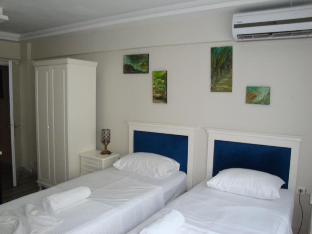 Deluxe Double or Twin Room carme otel 2