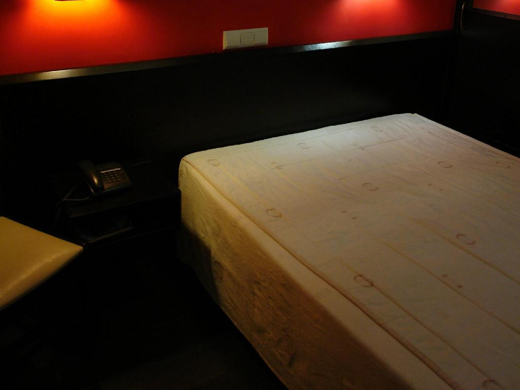 Budget Double Room - Guestroom Hotel Universal