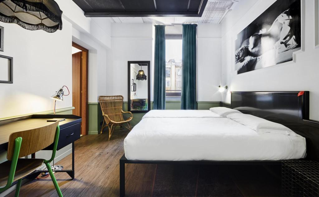 Twin Room with Private  Bathroom - Pat Generator Rome
