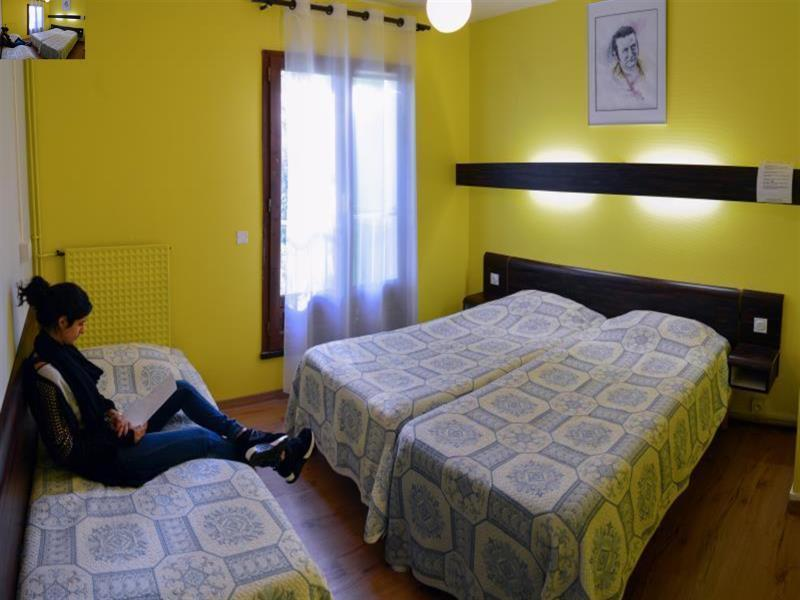 Triple - 3 Single Beds Private Room