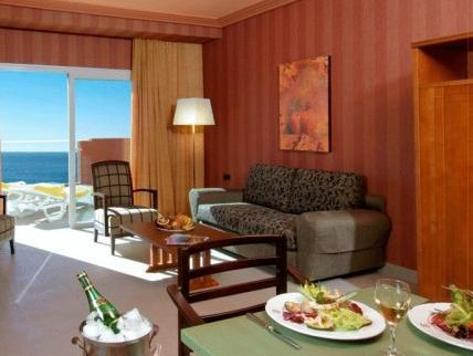 Suite, vista sobre el mar (Suite Sea View)