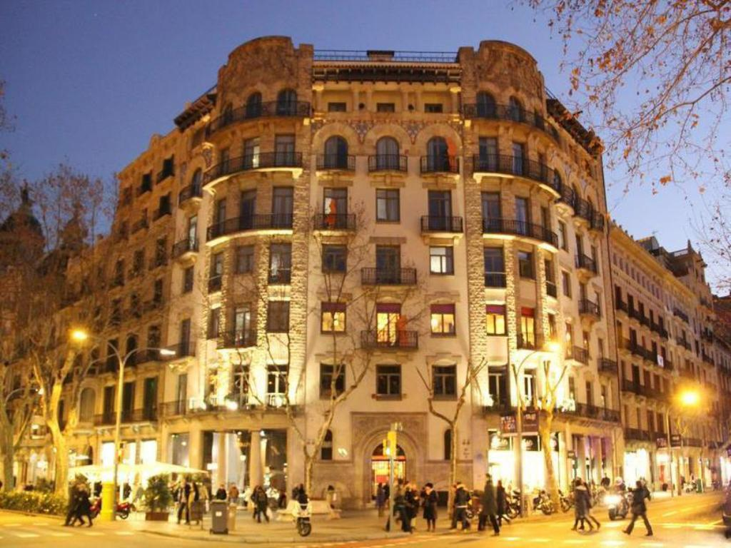 Book safestay barcelona passeig de gracia in spain 2018 for Hotel gracia barcelona