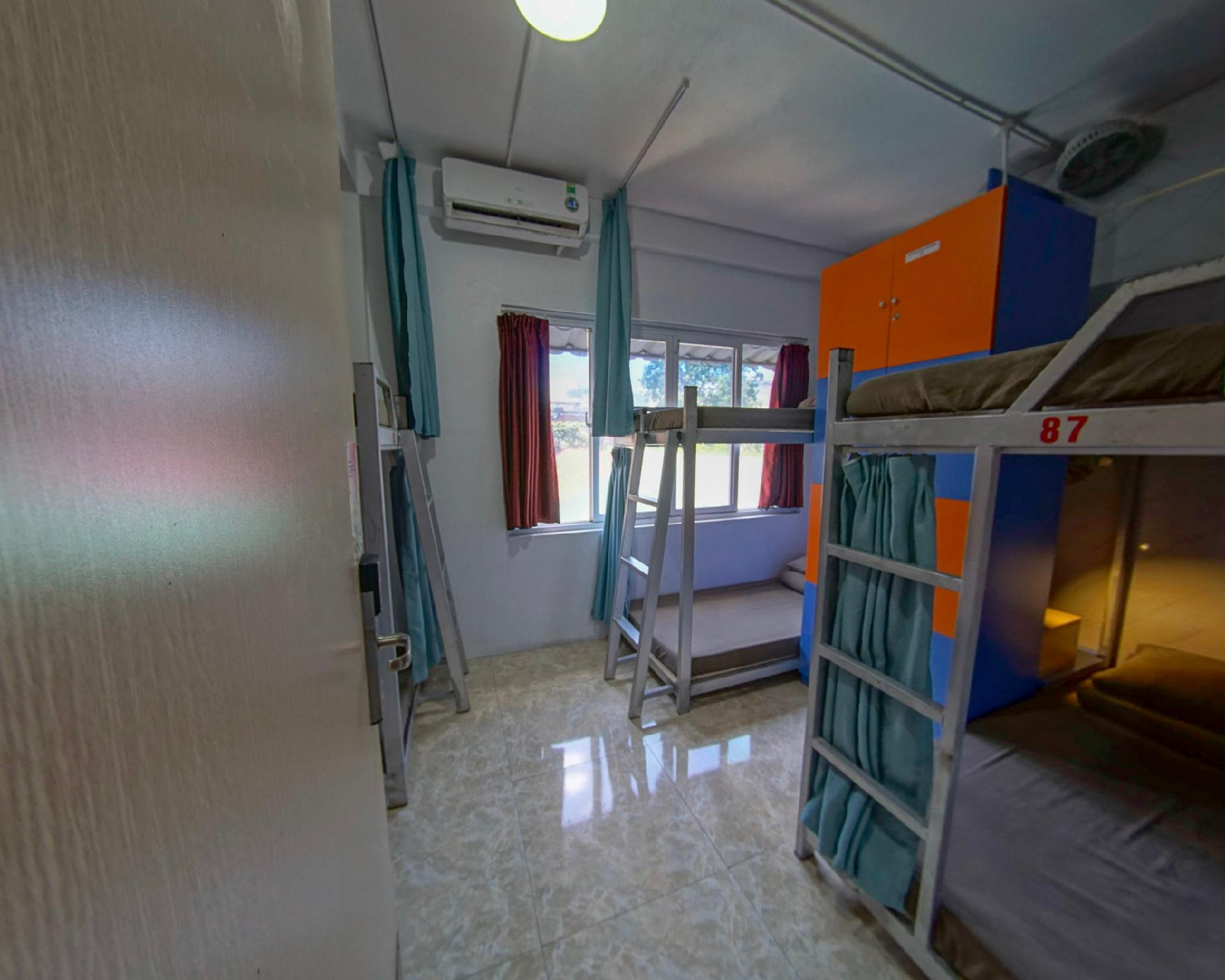 Mixed Dormitory 12-Bed