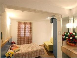 Doppelzimmer - (1 oder 2 Personen) (Double Room (1 or 2 people))