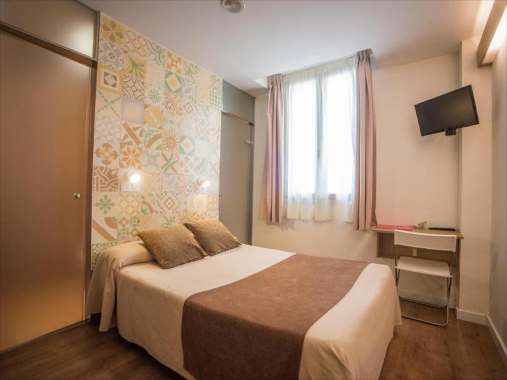 Double with Shower - Bed Hostal Marenostrum