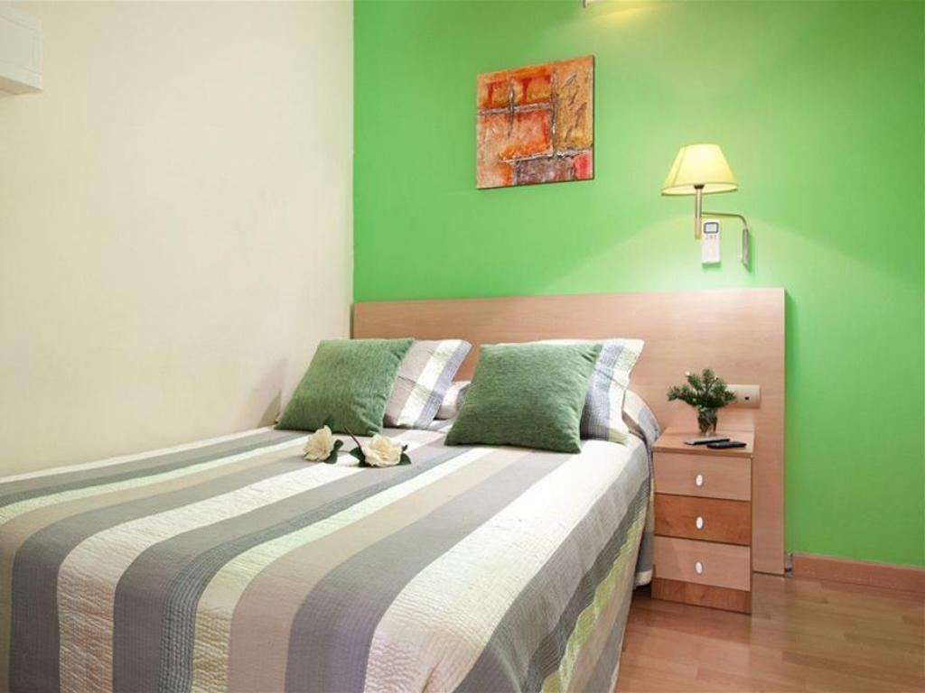 Single with Shared Bathroom Hostal Felipe 2