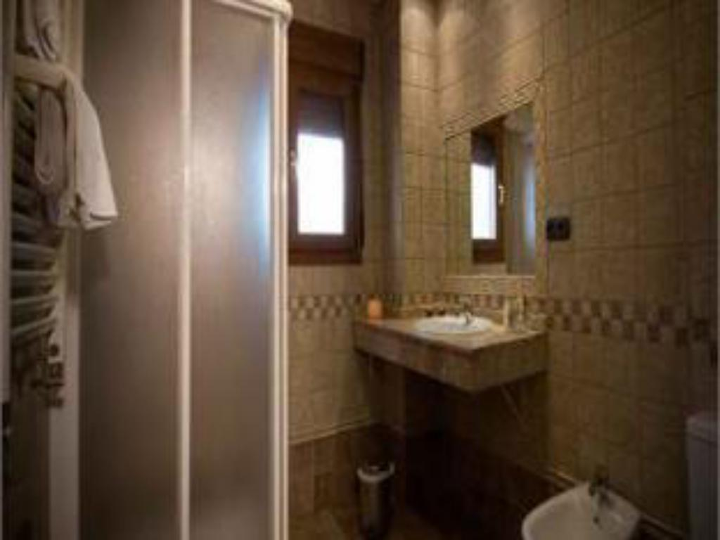 Bathroom Hotel Boutique Reina Mora