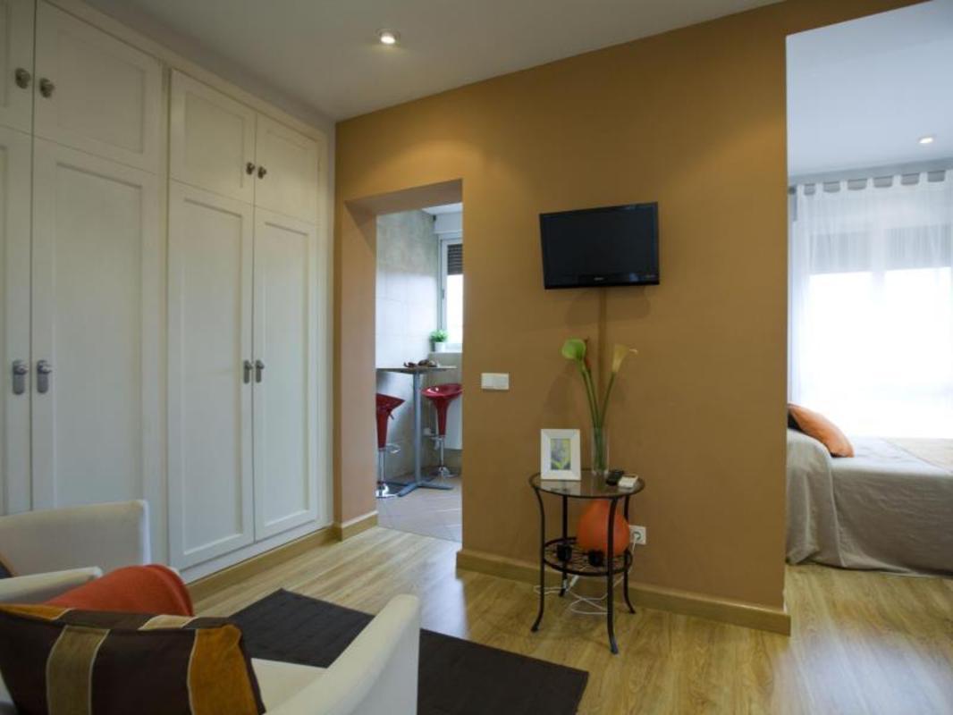 Apartamentos Tirso De Molina Serviced Apartment Madrid Deals Photos Reviews
