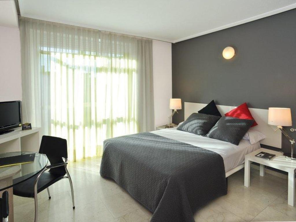 Hotel Sercotel Togumar
