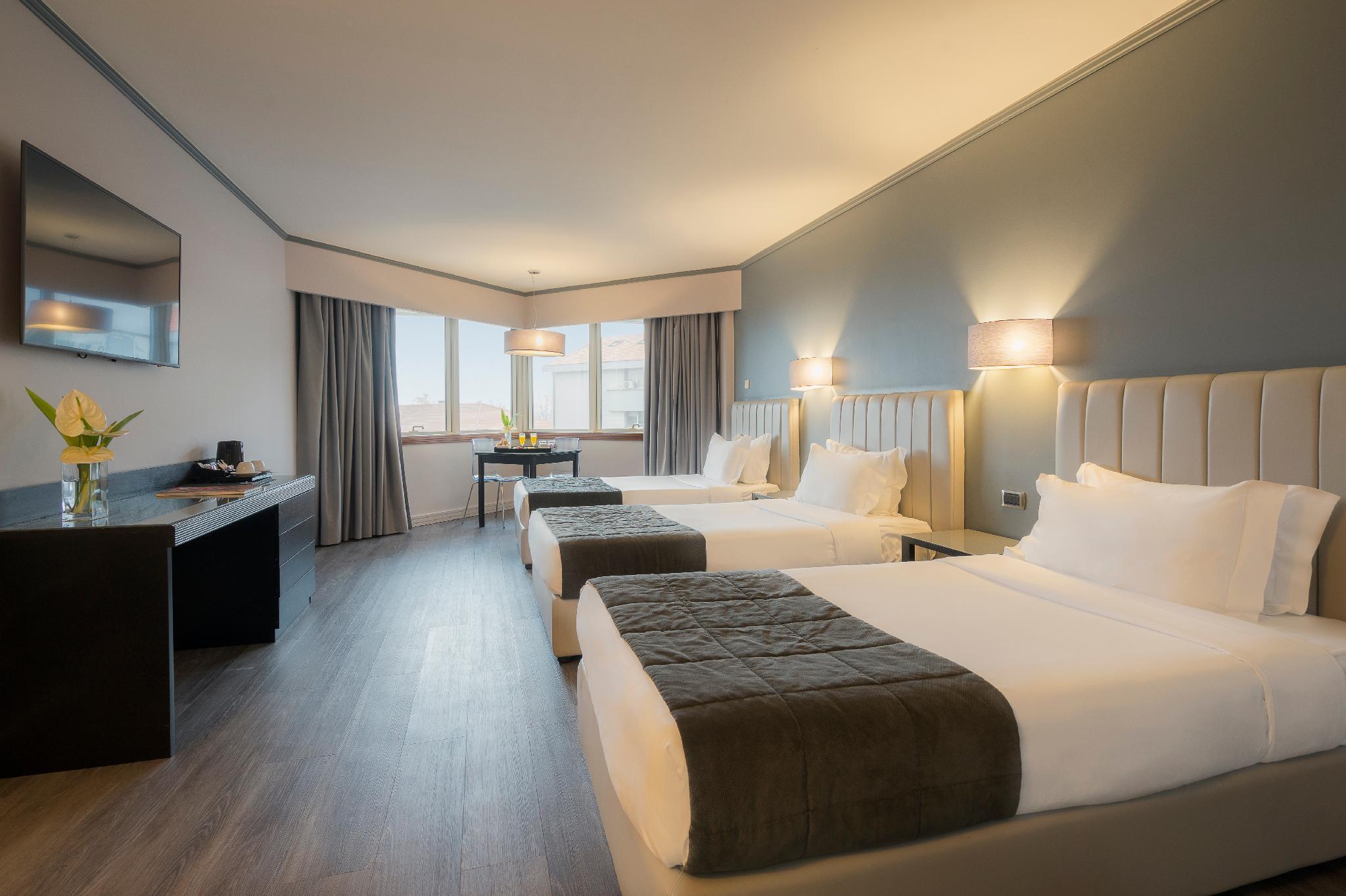 HF Fenix Porto Hotel in Portugal - Room Deals, Photos & Reviews