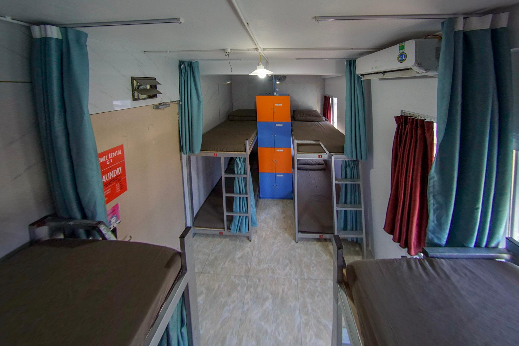 Mixed 8-Bed Dormitory