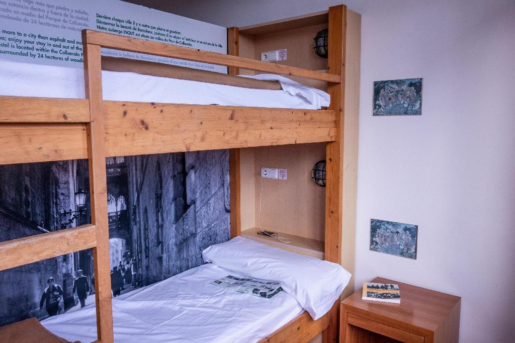 1 Person in 10-Bed Dormitory - Mixed - Bed Inout Hostel