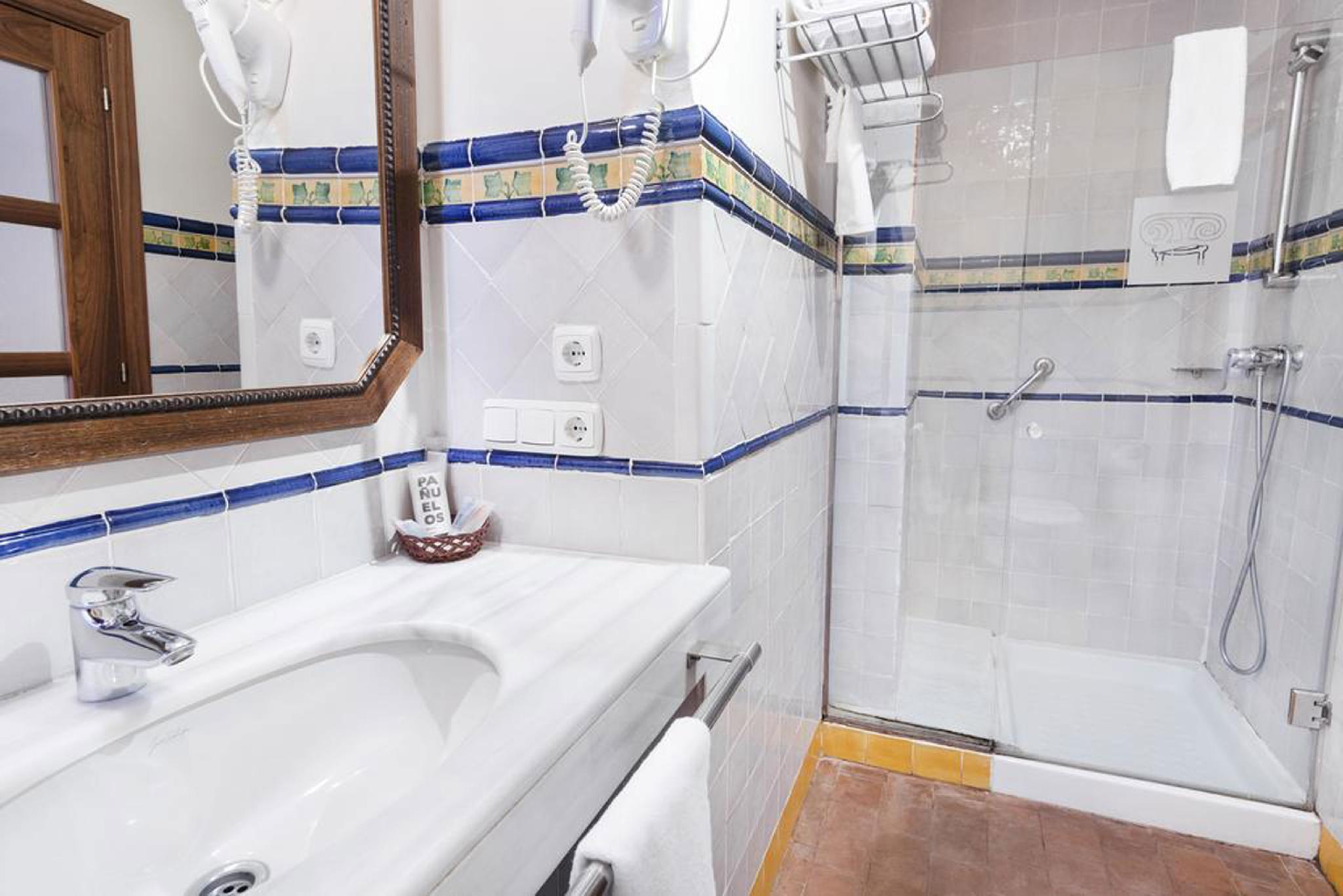 Nevada Salle De Bain hotel casa del pilar in granada - room deals, photos & reviews