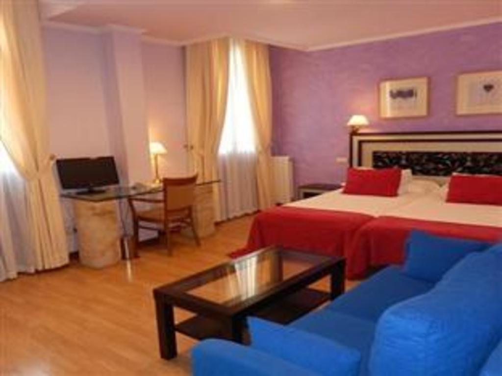 Rua Salamanca Hotel in Spain - Room Deals, Photos & Reviews