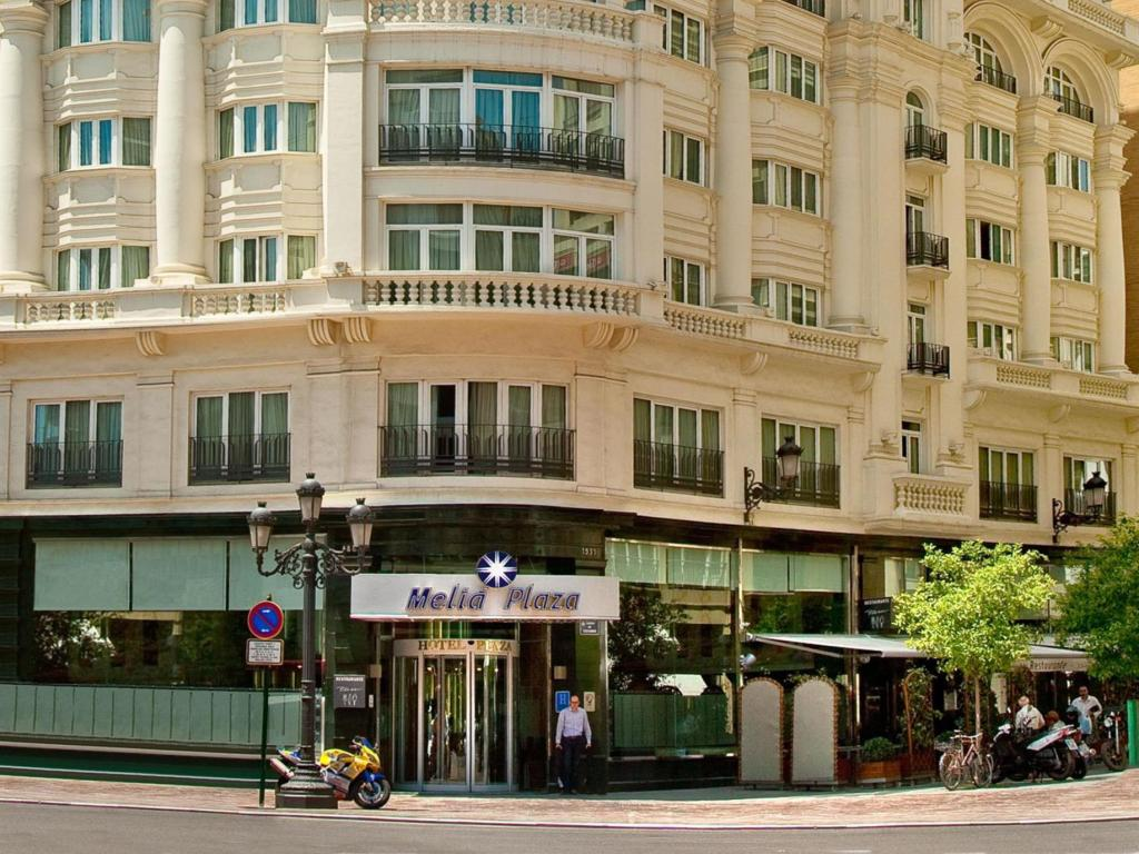 More about Melia Plaza Valencia