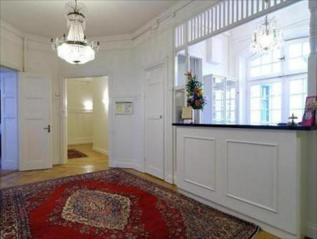 Best Price On Queen'S Hotel In Stockholm + Reviews!