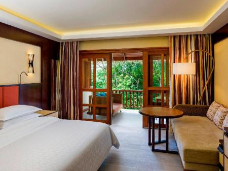 Deluxe, Guest room, 1 King, Garden view - Guestroom Sheraton Maldives Full Moon Resort & Spa