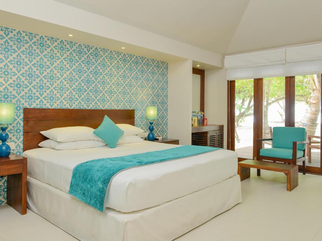 Beach Villa - Bed Adaaran Select Hudhuranfushi Resort