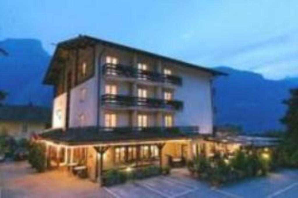 More about Hotel Brienz