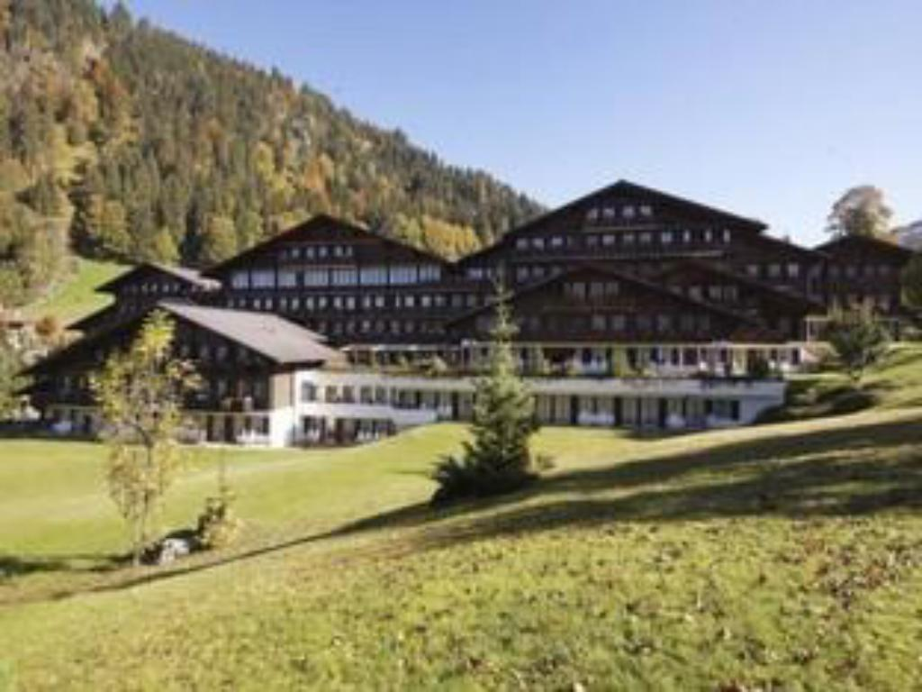 More about HUUS Gstaad